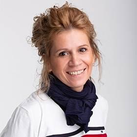Szulimán Nikoletta Műköröm Oktató